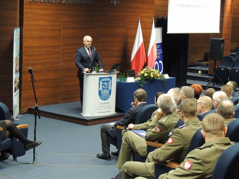 """""""Bezpieczeństwo narodowe Polski. Zagrożenia i determinanty zmian"""""""